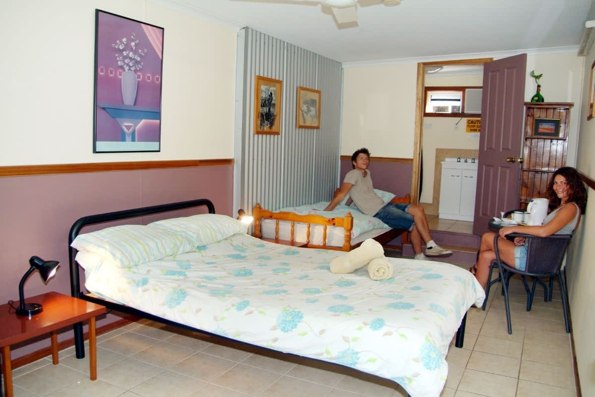 ensuite-twin-room-woolshed-eco-lodge