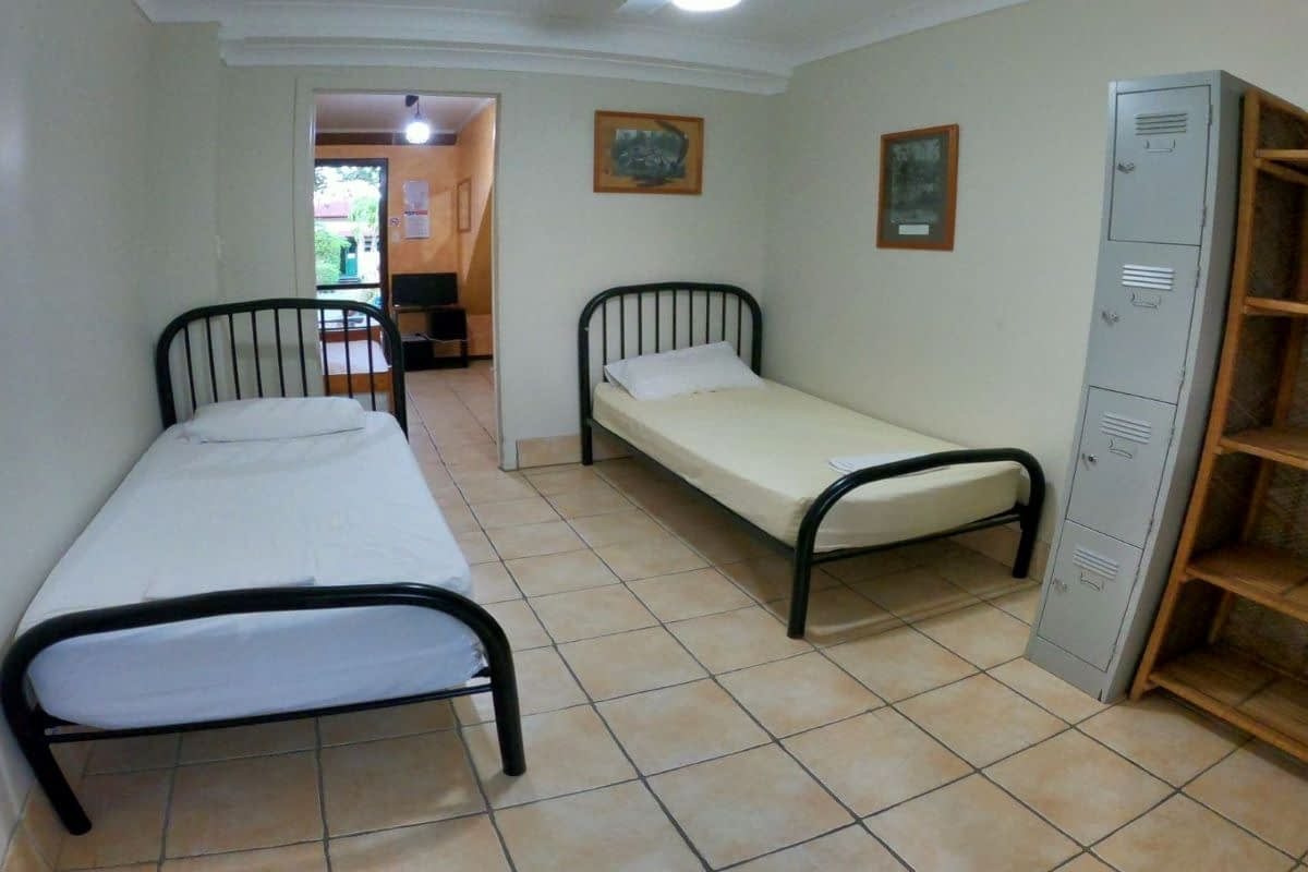 ensuite-4-bed-dorm-woolshed-eco-lodge
